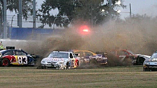 daytona-crash.jpg