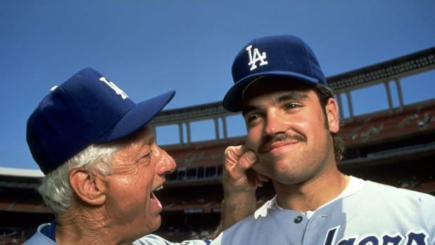 1993-Tommy-Lasorda-Mike-Piazza-05124286.jpg