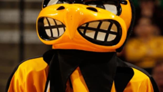 iowa-mascot-getty-t.jpg