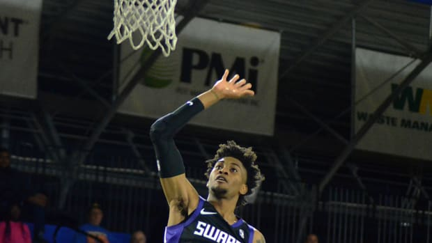 Jalen McDaniels finishes a floater near the rim for the Greensboro Swarm on Nov. 13, 2019. (Mitchell Northam / HornetMaven - Sports Illustrated)