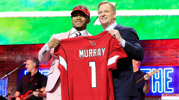 kyler-murray-nfl-draft-2019-roger-goodell.jpg