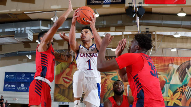 Kansas vs Dayton basketball Maui Devon Dotson