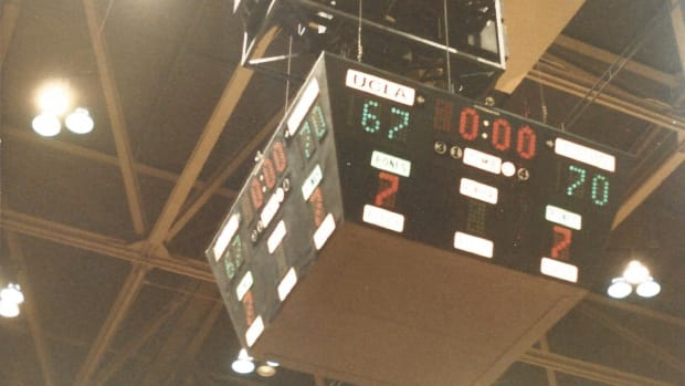 The scoreboard at UCLA after Alabama upset the No. 1 Bruins in 1983.