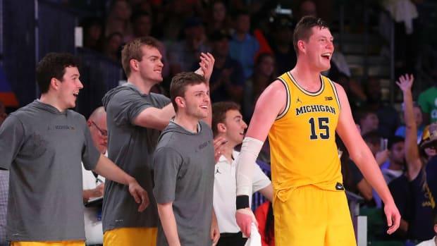 college-basketball-rankings-ap-poll-michigan