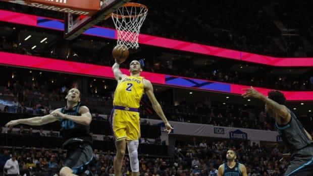 Lonzo Ball tomahawk dunk against the Charlotte Hornets
