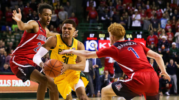 Baylor basketball beats Arizona