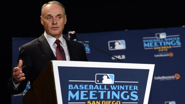 Rob Manfred speaks at the 2019 Winter Meetings in San Diego.