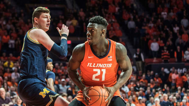 Illinois freshman Kofi Cockburn accidentally hit a referee in the head with his celebration.