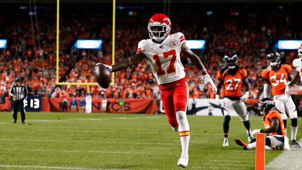 Kansas City Chiefs wide receiver Mecole Hardman (17) scores a touchdown in the first quarter against the Denver Broncos at Empower Field at Mile High.