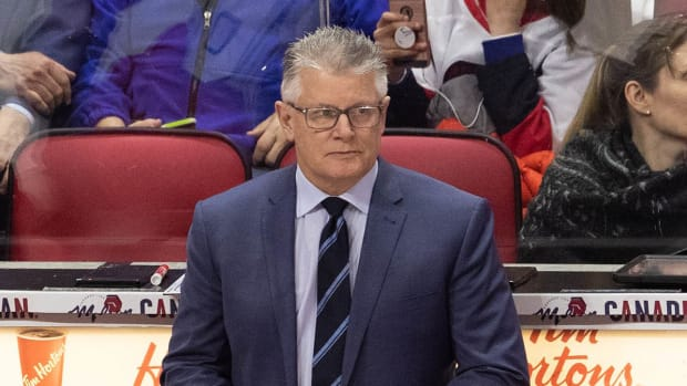 Blackhawks Suspend Assistant Marc Crawford