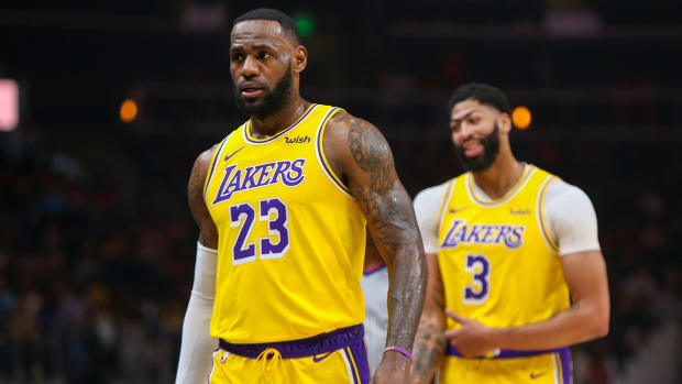 lebron-james-anthony-davis-lakers-lead