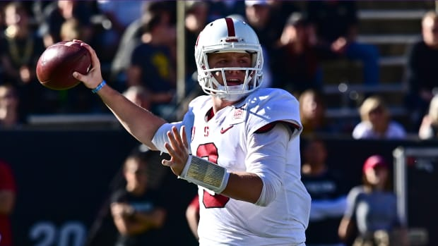 Stanford QB K.J. Costello is reportedly entering the transfer portal as a graduate transfer.
