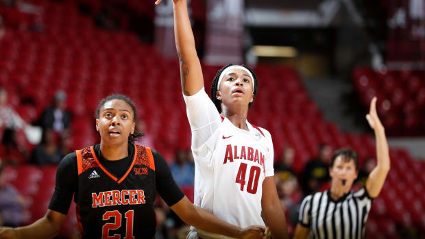 Alabama women's basketball forward Jasmine Walker