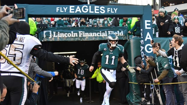 Eagles quarterback Carson Wentz takes the field for Sunday's game against the Dallas Cowboys