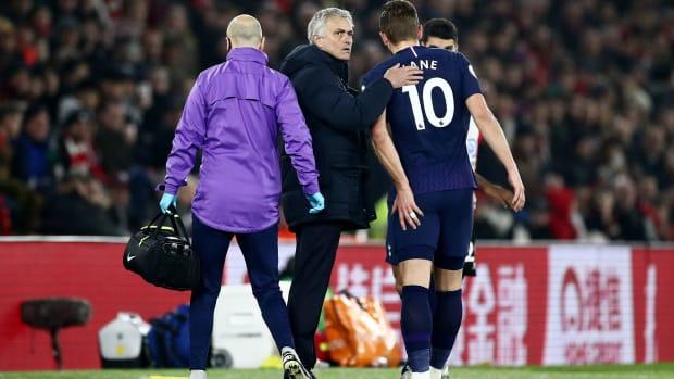 Harry Kane suffers a hamstring injury