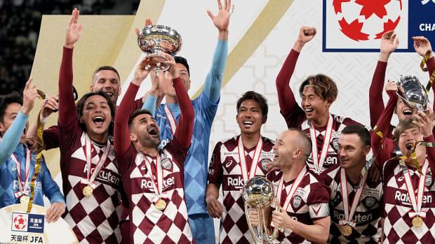 David Villa wins one final trophy with Vissel Kobe in Japan