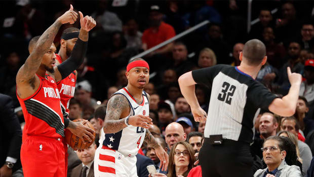 Isaiah Thomas Ejected Wizards