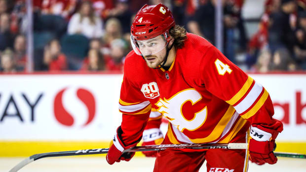 Rasmus-Andersson-flames-contract