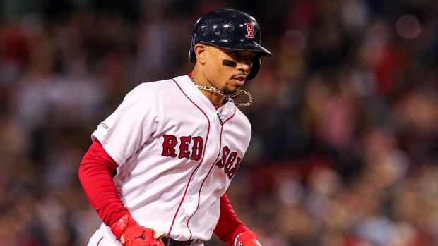 mookie-betts-arbitration-deal-red-sox