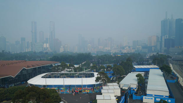 aus-open-skyline-haze-smoke-fires