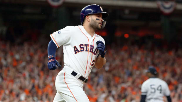 Altuve-HR-Reacts-Sign-Stealing