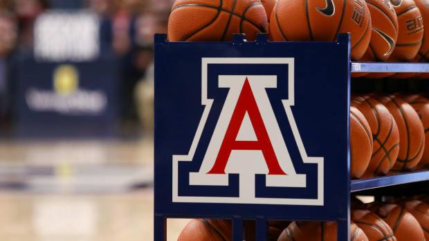 Arizona Basketball #1_Jacob Snow