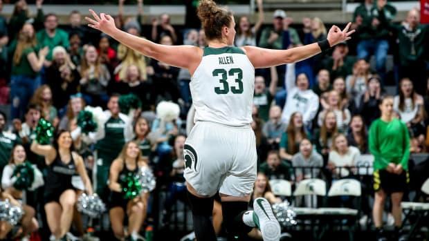 MSU Women's Basketball Takes Down #3 Oregon (PHOTO:  MSU SID)
