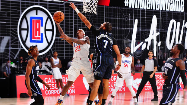 Lou Williams of the LA Clippers shoots the ball against the Orlando Magic