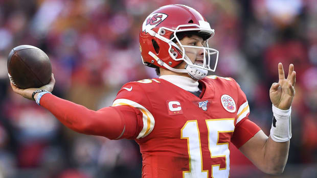 nfl-patrick-mahomes-throw-off-challenges