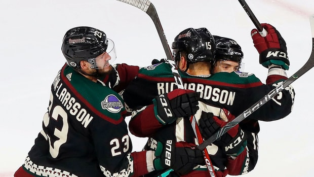 Arizona Coyotes forward Brad Richardson (15) celebrate his overtime series winning gaol against the Nashville Predators during the Western Conference qualifications at Rogers Place.