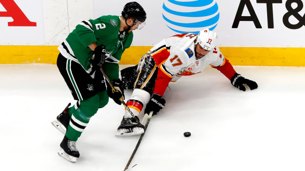 milan-lucic-flames-stars