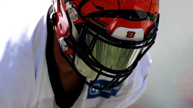Jun 11, 2019; Cincinnati, OH, USA; Cincinnati Bengals center Billy Price (53) participates in drills during minicamp at Paul Brown Stadium. Mandatory Credit: Aaron Doster-USA TODAY Sports