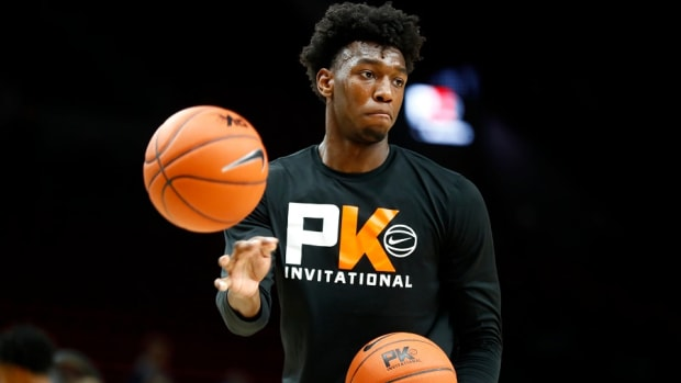 Memphis Tigers center James Wiseman warms up before their game against the Oregon Ducks at the Moda Center in Portland.