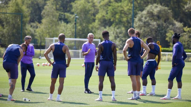 Jose-Mourinho-All-Nothing-Tottenham
