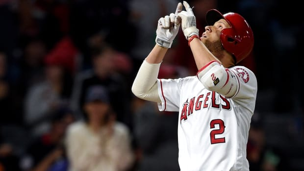 Andrelton-Simmons-angels