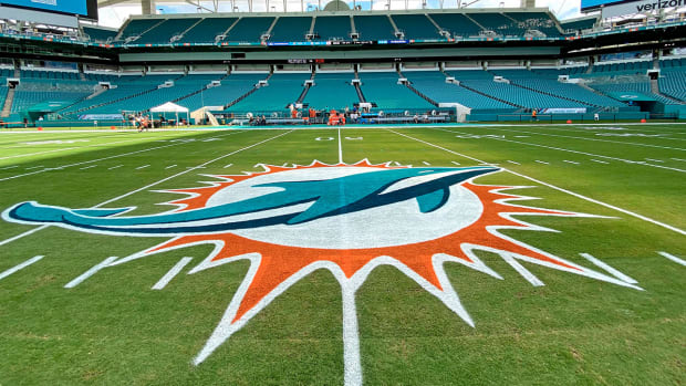 hard-rock-stadium-miami-dolphins-logo