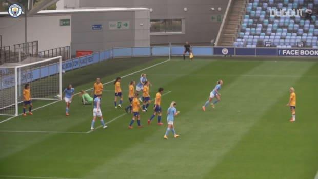 Sam Mewis enjoys memorable debut for Man City women