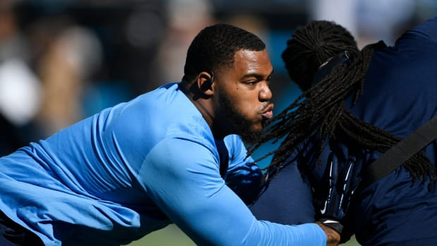 Tennessee Titans defensive tackle Jeffery Simmons (98) warms up before the game against the Carolina Panthers at Bank of America Stadium Sunday, Nov. 3, 2019 in Charlotte, N.C.