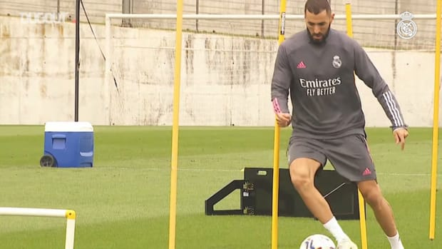 Physical and ball work in the second training session of the week