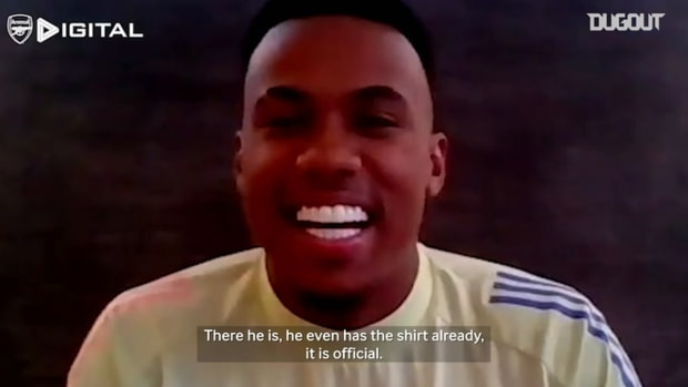 Willian and David Luiz speak to new Arsenal signing Gabriel