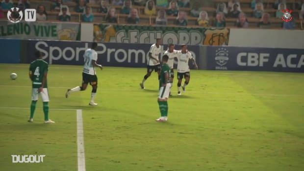 Danilo Avelar bags late winner against Goiás