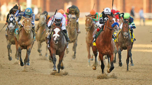 Authentic pulls ahead of Tiz The Law at the 2020 Kentucky Derby