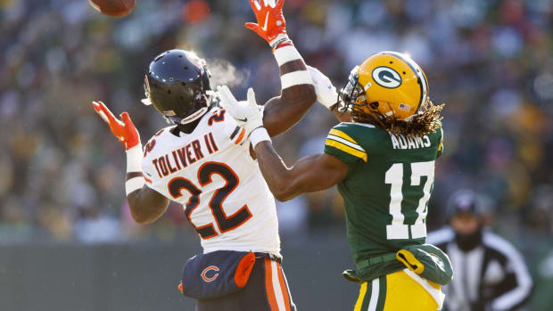 Chicago Bears cornerback Kevin Toliver II (22) breaks up the pass intended for Green Bay Packers wide receiver Davante Adams (17) during the second quarter at Lambeau Field.