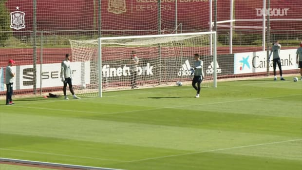 Outside the box shooting challenge in Spain's training