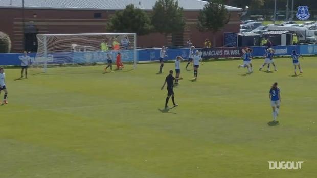 Izzy Christiansen grabs the winner as Everton Women beat Spurs
