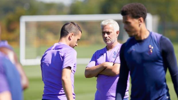Mourinho-Dele-Alli-Tottenham-All-Nothing
