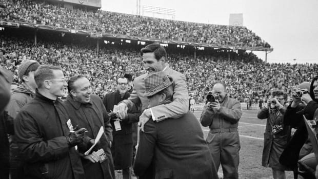 Bear Bryant hugs Gene Stallings after the 1968 Cotton Bowl