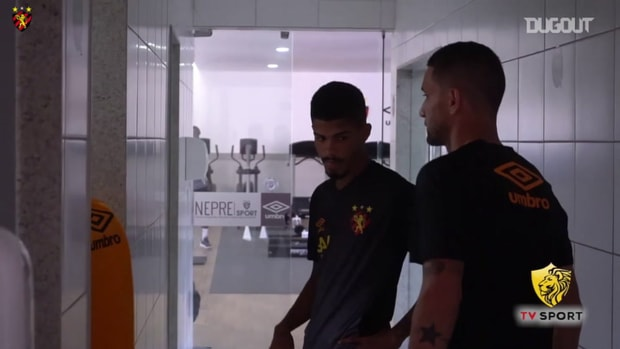 Thiago Neves' first day at Sport Recife