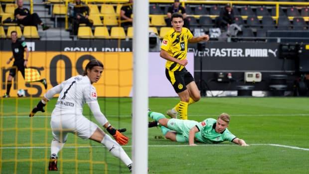 Giovanni Reyna Goal