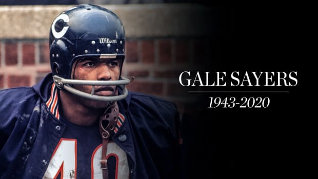 Chicago Bears legendary running back Gale Sayers has died. He was 77 years old.